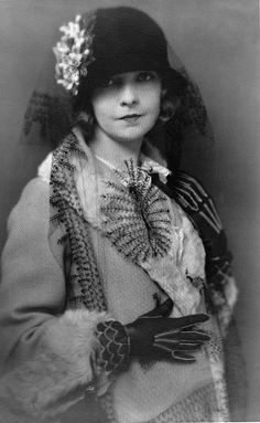 Lillian Gish, 1922  Photographed by Charles Albin