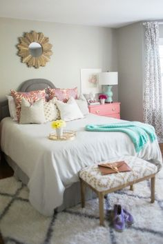 love the color pops in this bedroom