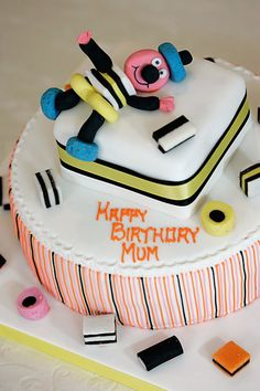 Different cake each......this one for Granma? Sweetie one for Bella, chockie one for mamaaaaa....to go with our sweetie table?