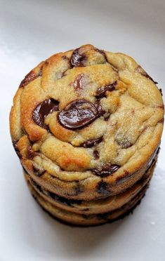 Super Cookies Way Levain Bakery - Gallymini_patisse Levain Cookie Recipe, Levain Cookies, Cookie Recipes, Dessert Recipes, Super Cookies, Desserts With Biscuits, Cake Factory, Recipes From Heaven, Cookies Et Biscuits