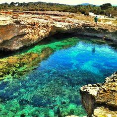 Cala Bassa, Ibiza, Spain. La otra cara de Ibiza, playas de Ibiza, rincones de Ibiza, paisajes de Ibiza, Cala Conta Ibiza, Ibiza isla blanca, sitios que visitar en Ibiza, Ibiza beaches, Ibiza white island, places to go in Ibiza. #LaOtraCaraDeIbiza