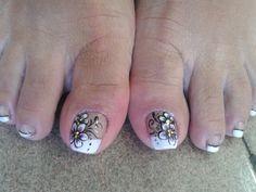 Flors Cute Pedicures, French Pedicure, Toe Nail Designs, Toe Nails, Hair Beauty, Mary, Nail Art, Ideas, Nail Designs