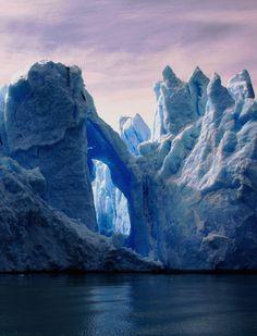 Glacier Grey in Parque Nacional Torres del Paine, Chile (By rhalvo).
