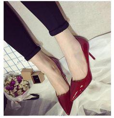 10cm color nude señaló los zapatos de tacón alto con la hembra del verano delgada en los zapatos de color rosa nude de charol con una sola boca baja de los zapatos de otoño club nocturno atractivo
