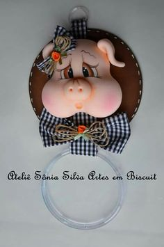 Clay Pot Crafts, Diy And Crafts, Arts And Crafts, Fondant Figures, Clay Figures, Fimo Clay, Polymer Clay Crafts, Country Biscuits, Pasta Art