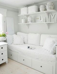 For spare room - ikea Hemnes day bed - white All White Room, White Rooms, White Bedroom, Girls Bedroom, Bedroom Decor, Decor Room, Home Decor, White Space, Ikea Bedroom
