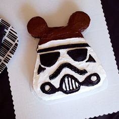 Just in time for Star Wars Weekends at Hollywood Studios, this Stormtrooper Mickey Cake steals the show! #Disney #recipe