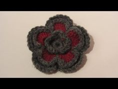 Flor doble de 2 colores con lana.