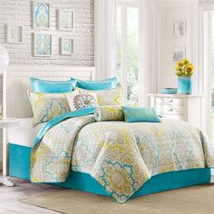 Hudson Paisley is a unique twist on the classic paisley print. With its bright turquoise and yellow colorways against the bright white background, this coverlet can update your bedroom's feel in seconds. The coverlet face is 100% printed cotton with a solid reverse.