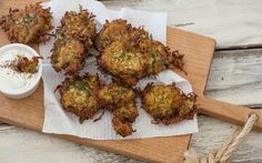 Crispy Zucchini Fritters for St Patrick  #zucchini #fritters #stpatricksday #recipe #recipeoftheday #food #yummy #eat