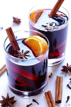 Mulled Wine Recipe -- simple to make, and perfect for the #holidays! | gimmesomeoven.com #WineRecipies