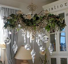Silver and white Christmas Shabby Chic Christmas, Elegant Christmas, Gold Christmas, Christmas Holidays, Christmas Crafts, Silver Christmas Decorations, Christmas Chandelier Decor, Silver Ornaments, Glass Ornaments