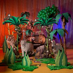 Our Set the Stage Safari Party will bring the look of the Savannah to your party.