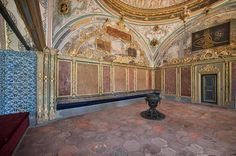 https://flic.kr/p/c2NKzY | _SAL1550 | TOPKAPI PALACE The Imperial Council, Divan-i Humayun, building is the chamber in which the ministers of state, council ministers, Divan Heyeti, the Imperial Council, consisting of the Grand Vizier viziers, and other leading officials of the Ottoman state, held meetings. It is also called Kubbealti, which means, under the dome, in reference to the dome in the council main hall. It is situated in the northwestern corner of the courtyard next to the Gate…