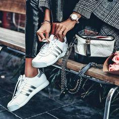 Lust auf neue Treter? Wir zeigen euch die Top-Sneaker-Trends2018 und verraten, welche eurer Lieblingsturnschuhe ihr getrost weiter tragen könnt!Darf's ein bisschen mehr sein...