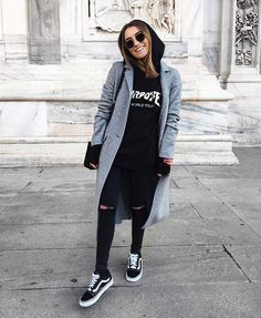 For really trippy cold days wear a hoodie under a blazer! - For really trippy cold days wear a hoodie under a blazer! einen For Hoodie Hosenb - Mode Outfits, Outfits For Teens, Fashion Outfits, Vans Fashion, Womens Fashion, Fashion Trends, Street Fashion, Fashion Guide, Sneakers Fashion