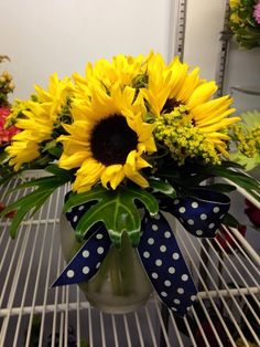 Start off your day with a splash of sunshine with this beautiful bouquet of sunflowers we designed recently.
