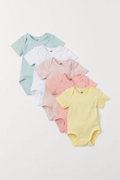 Your entire baby's panties requires to keep this toddler dried out and cozy, along with chestys, singlets, lawsuits, fashion garments and nappy covers. Luxury Baby Clothes, Baby Kids Clothes, Baby & Toddler Clothing, Baby Clothes Shops, Baby Girl Shoes, Cute Baby Girl, Cute Outfits For Kids, Toddler Outfits, Baby Outfits Newborn