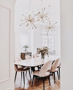Gorgeous 30 Modern Minimalist Dining Room Design Ideas for Comfortable Dinner With Your Family Esstisch Dining Room Lamps, Dining Room Design, Wall Lamps, Dining Furniture, Ikea Dining, Furniture Cleaning, Space Furniture, Furniture Online, Furniture Stores