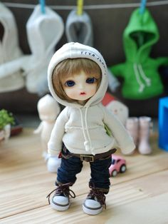 ★★★★★★★★★★★★★★★ When ordering, be sure ! Please leave your phone number. ★★★★★★★★★★★★★★★★★★★★★★★★★★★★★★Lati Vintage Hooded T - Beige Pocket-Size Doll Clothes Patterns, Clothing Patterns, Yellow Beanie, Kawaii Doll, Boy Photos, Boy Doll, Friend Pictures, Cute Dolls, Plush Dolls