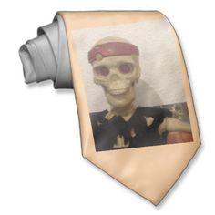 Totenkopf Krawatte Flirting, Humor, Halloween, Unique Wedding Gifts, Happy Couples, Skull And Crossbones, Cravat Tie, Humour, Funny Photos