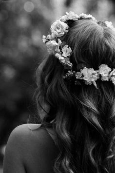 I am so obsessed with flower crowns, ever since i was little...