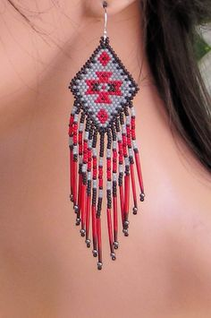 Porcupine Quill Earrings Seed Bead Fringe di CreationsbyWhiteWolf