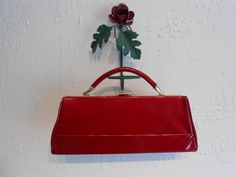 Vixen Ruby Lips - 1950s Lipstick Red Patent Vinyl Handbag - Amazing