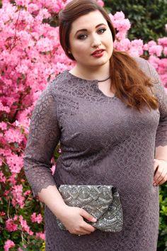 Elegantes Cocktail-Kleid von Anna Scholz. Blickdicht durch Futter aus Jerseyware.