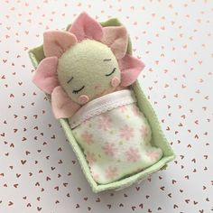 Sweet easy patterns to inspire a joy of sewing de Gingermelon Felt Baby, Bitty Baby, Doll Patterns, Easy Patterns, Fairy Dolls, Felt Toys, Dose, Felt Animals, Felt Crafts