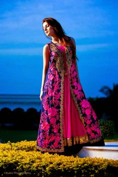 Mina Hasan is among the experienced and notable fashion designers for ladies. Mina Hasan new formal dresses 2013 for women were released recently. Pakistani Formal Dresses, Pakistani Dress Design, Pakistani Designers, Pakistani Outfits, Fashion 2018, Fashion Dresses, Embroidery Dress, Embroidered Dresses, Dresses 2013
