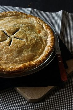 Tourtiere, a French Canadian meat pie - Acadian Culture - Michel Canadian Cuisine, Canadian Food, Canadian Recipes, Canadian Culture, Irish Recipes, Empanadas, French Meat Pie, French Food, Tart Recipes
