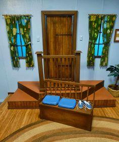 LANCE CARDINAL: MISTER ROGERS NEIGHBORHOOD TELEVISION HOUSE MINIATURE
