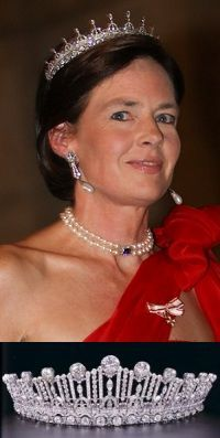 Diana, Countess of Nassau, second wife of John, brother of Grand Duke Henri of Luxembourg at the 2012 wedding in Luxembourg in a pared down version of the Princess Sybilla Art Deco Tiara.