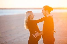 Love this Glowing Maternity Session from Lesley Veronika Photography!
