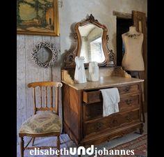 Spiegel Kommode / Schrank antik aus Frankreich - Louis XV Stil - Walnuss Holz -