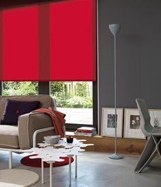 Een mooi rood rolgordijn is een mooie eyecatcher in uw interieur.. #rood #rolgordijn #home #Rolgordijnwinkel | Verkrijgbaar bij Rolgordijnwinkel.nl