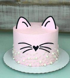 "image by Thaty Traguetto ( with caption : ""Bolo gatinha da com topo em scrap - 1963199396398416229 Kitten Cake, Kitten Party, Cat Party, Fete Emma, Animal Cakes, Birthday Party Themes, Cat Birthday Cakes, Cute Cakes, Cake Creations"