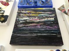 The inspiring result of mixed materials, a time limit, and no paintbrushes. A creative art activity to exercise the imagination. #art #create #inspire #interiordesign