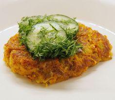 TÖRKEEN HYVÄT KASVISPIHVIT | Sateenkaaria ja serpentiiniä | Bloglovin' Good Food, Yummy Food, Salmon Burgers, I Foods, Risotto, Food And Drink, Rice, Meat, Chicken