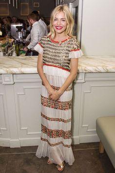 Sienna Miller in Chanel Resort - Cat On A Hot Tin Roof afterparty, London - July 24 2017 Estilo Sienna Miller, Sienna Miller Style, Looks Boho Chic, Boho Look, Winter Mode, Estilo Boho, Carrie Bradshaw, Cultura Pop, Vogue Uk