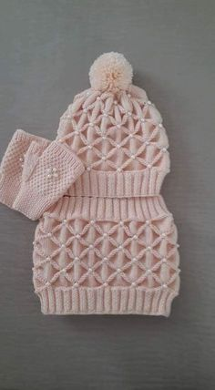 Diy Crafts - This Pin was discovered by hab Baby Knitting Patterns, Crochet Patterns, Crochet Girls, Crochet Baby, Diy Crafts Crochet, Crochet Poncho, Easy Knitting, Knit Beanie, Knitted Hats