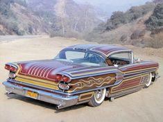 La Pontiac 58 de Floyd DeBore est pour moi une œuvre majeure du paneling. Réalisé évidement par le maitre Larry Watson , elle aurait été panelé a plusieurs reprise, son jeune propriétaire la ramenant chez Larry chaque fois que ses moyens le lui permettaient,...