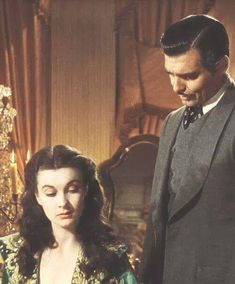 Scarlett O'Hara (Vivien Leigh) and Rhett Butler (Clark Gable) in Gone With The Wind Go To Movies, Old Movies, Great Movies, Classic Hollywood, Old Hollywood, Wind Movie, Romance Film, Olivia De Havilland, Tomorrow Is Another Day