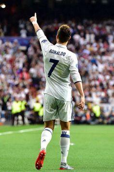 Cristiano Ronaldo Quotes, Cristano Ronaldo, Cristiano Ronaldo Juventus, Cristiano Ronaldo Cr7, Cr7 Junior, Soccer Guys, Football Soccer, Football Players, Basketball