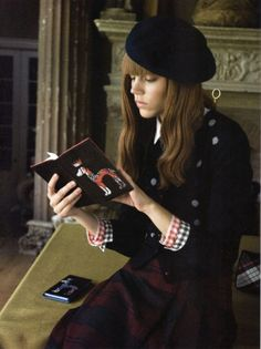 The Kling diary Beret Outfit, Freja Beha Erichsen, My Fair Lady, Book Girl, Daily Photo, Passion For Fashion, Preppy, Cute Outfits, Vintage Fashion