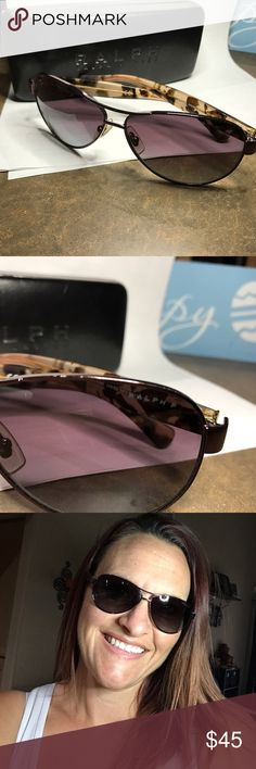 Ralph Lauren Polarized Rose aviators Ralph Lauren aviators. Polarized! Model number is ra4096. They are in really great condition. Very well taken care of. Come with the Ralph Lauren case. Ralph Lauren Accessories Sunglasses