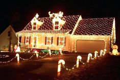 Of all the home businesses out there, Christmas Light Installation businesses may be one of the best kept secrets around. Most people think of hanging Christmas lights as a low paying, low potential, grunt work job, and therefore they Animated Christmas Decorations, Christmas Lights Outside, Hanging Christmas Lights, Xmas Lights, Christmas Decorations For The Home, Holiday Lights, House Decorations, Wedding Decorations, Best Christmas Light Displays