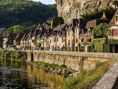 De Dordognestreek! Naast de Provence misschien wel de populairste vakantiebestemming in Frankrijk. Dat komt door het aangename klimaat, de prachtige natuur