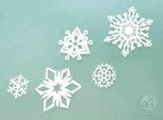 DIY Snowflakes  : DIY paper snowflakes